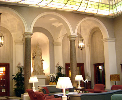 The Grand Hotel de la Minerve Review - 5 Star Rome Hotel Goddess ...