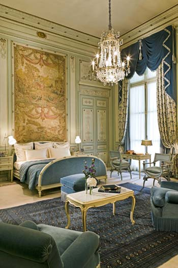 The history of the Ritz Paris resembles a fairy tale