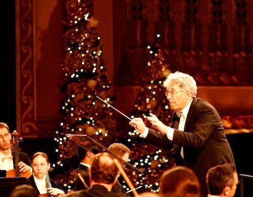 Do it yourself messiah preview a great chicago tradition splash was living and working in england in 1973 when he and his wife attended a christmas sing along performance of messiah at a parish church solutioingenieria Images