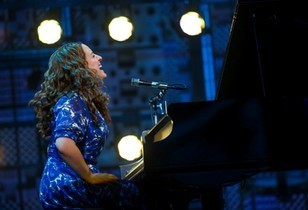 Beautiful The Carole King Musical Review – Spectacular