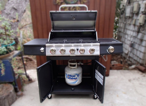 The Backyard Grill. BBQ with Blue Rhino Propane ? - Backyard Grill, 5 Burner Gas Grill Review - The Stainless Steel King