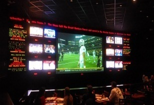 "ESPN Zone® Anaheim Review – ""Ultimate Watch Parties"" on Ultimate Football Sundays"