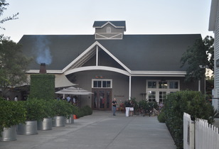 St. Helena's Farmstead Restaurant Review. A more pleasant Napa Valley dining experience would be hard to find.