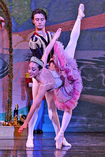 Review: A 'Nutcracker' to remember opens holiday run