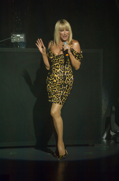 Suzanne Somers Sizzles In Las Vegas Review Beginning A