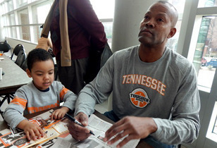 "Dale Ellis - NBA, University of Tennessee Star Unites Former ""Vol"" Players for Jersey Retirement - Review"