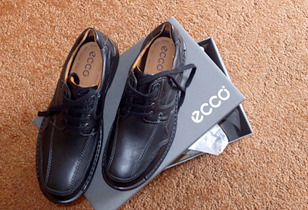 Ecco Shoe Review – My Husband Finds the Perfect Shoe