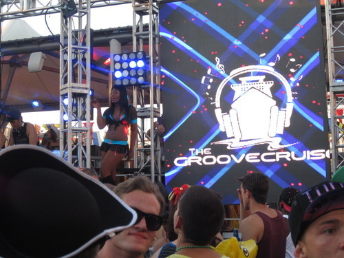 Los Angeles Inaugural Groove Cruise Review Dj Masters Markus Schulz Amp Morgan Page Headline The