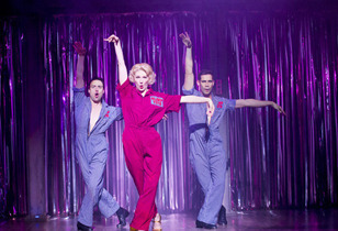 Pajama Game at Shaftesbury Theatre Review – See It While You Can
