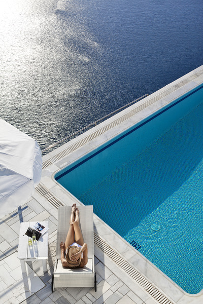A Jewel In The Island Of Santorini Homeric Poems Hotel Review Splash Magazines Los Angeles