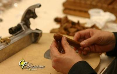 The Art of Cigar Rolling
