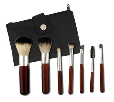 The Brush Company 7 Piece Travel Kit