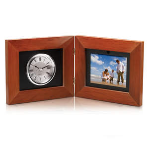 Coby Digital Photo Frame with Quartz Clock