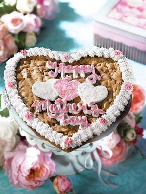 Mrs. Fields Mother's Day heart shaped cookie cake