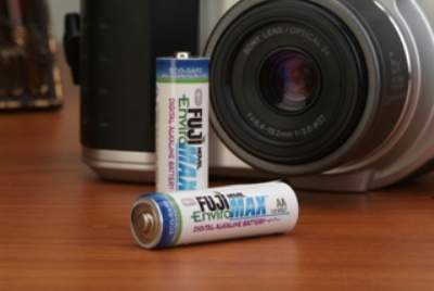 This high performance digital alkaline battery is perfect for all your digital and home electronic products.