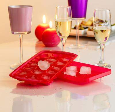 Orka Heart-Shaped Ice Cube Tray
