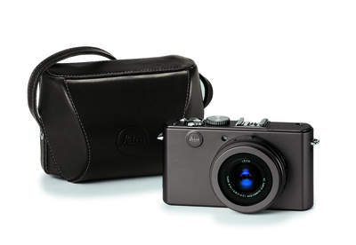 LEICA D-LUX 4 Titanium with matching case