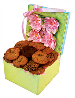 This lovely spring box arrives filled to the brim with delicious cookies to surprise and delight your lucky recipient!