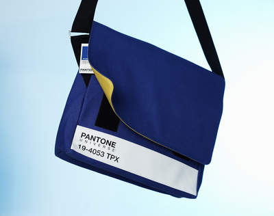PANTONE UNIVERSE Messenger Bag