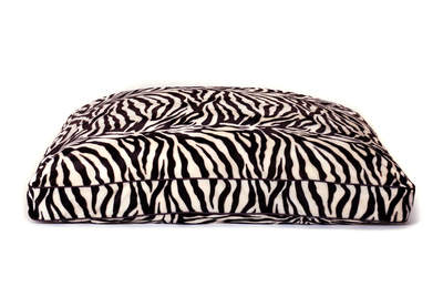 petLINENS XL Rectangle bed with Zebra slipcover