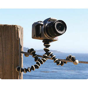 No more hunting for flat surfaces at eye-level: just wrap or hang Gorillapod on any handy object and get in the picture!
