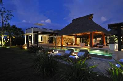 Casa Kalika at Night