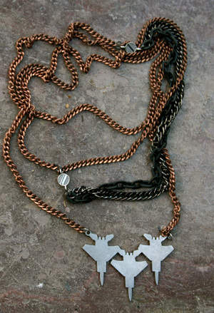 Yassai 7 Tangled Chain Plane Necklace