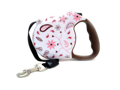 Pretty, classy, fun. This Floral Fling leash is perfect for Mom!