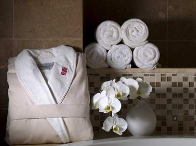 Treat Dad to a gift from Red Door Spas for Father's Day