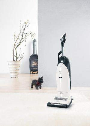 New Miele S7260 Cat & Dog upright vacuum cleaner