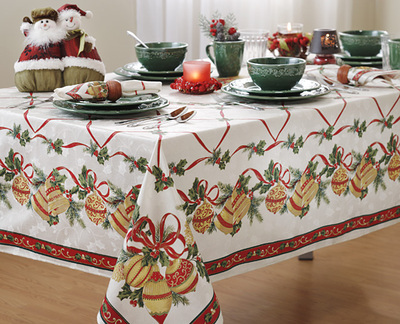 Holiday Border Tablecloth, Napkins and Flatware from Anna's Linens