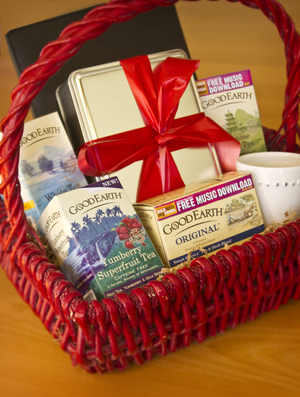 Good Earth Tea Holiday Gift Basket