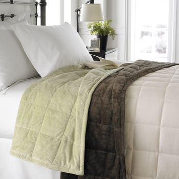 Ellery Homestyles' ComfortTech Blankets with 3M Thinsulate Insulation